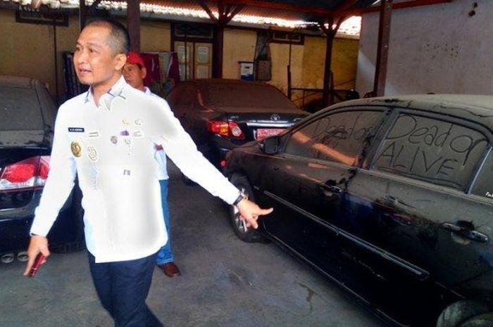 Wakil Bupati Kudus Hartopo saat meninjau kendaraan dinas yang hendak dilelang