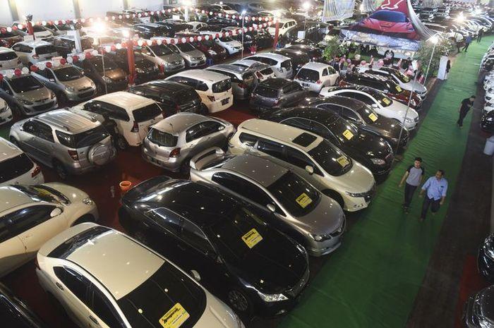 Ilustrasi pasar mobil bekas