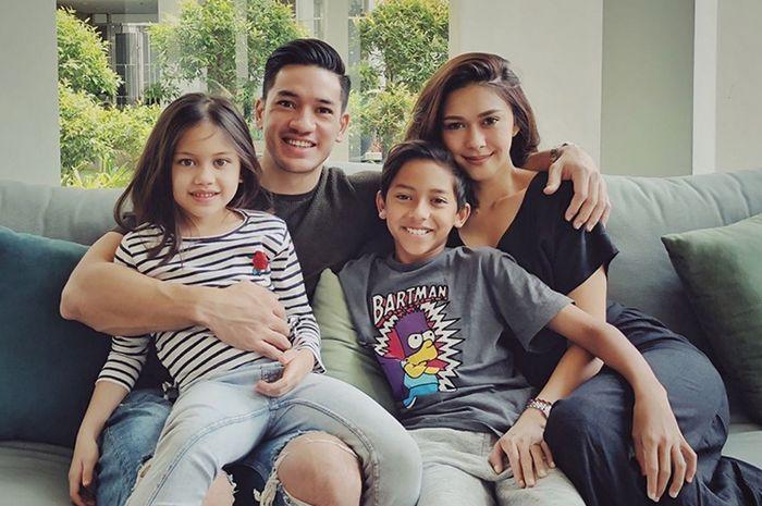 Keluarga Nana Mirdad dan Andrew White liburan ke Australia