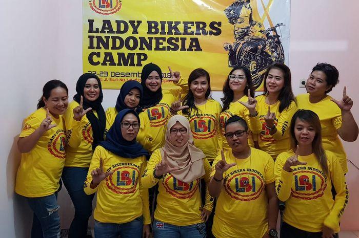 Para member Lady Bikers Indonesia