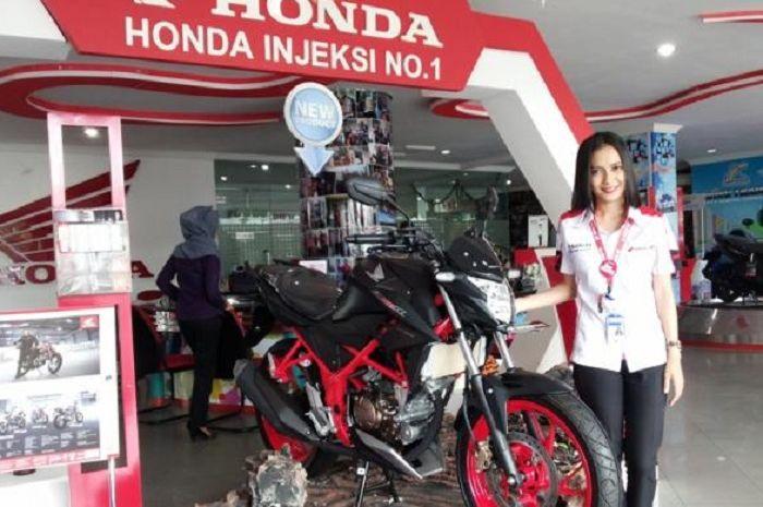 Dealer motor Honda.