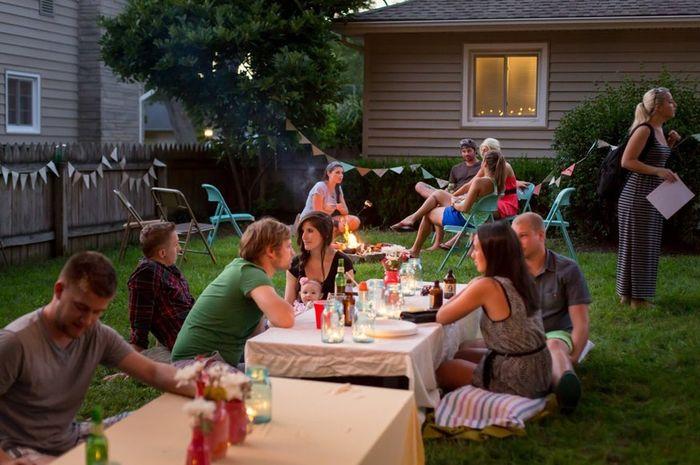 backyard-girls-party-mature-lesbian-cougar-video-free