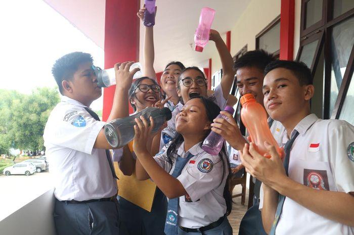 siswa SMAN 9 Binsus Manado Pamer Tumbler