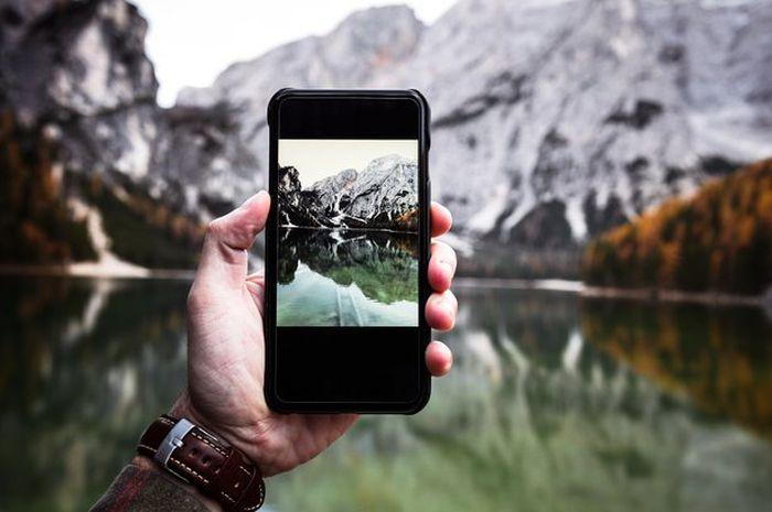 Bila tahu triknya, mengambil foto dengan kamera di telepon genggam hasilnya bisa menakjubkan.