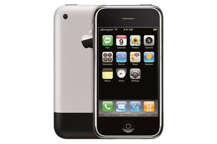 (Video) 12 Tahun Lalu Steve Jobs Mengenalkan iPhone Pertama