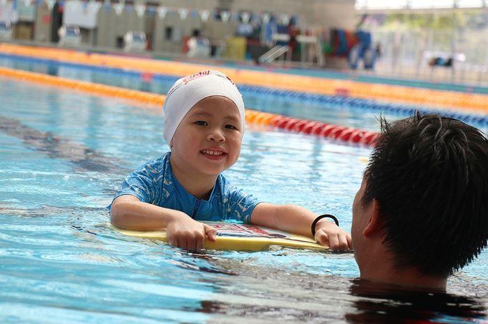 Berenang pada anak