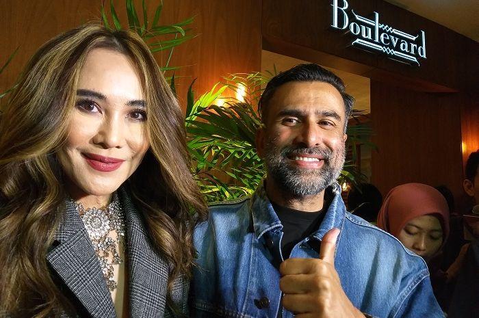 Ina Thomas dan Jeremy Thomas saat Gala Premier film Mata Batin 2 di kawasan Senayan City, Jakarta Selatan, Jumat (11/1/2019).