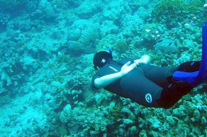 Menyelam dan snorkeling di Bunaken, Sulawesi Utara.