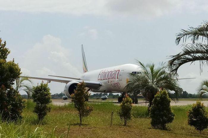 Pesawat kargo Ethiopia yang dipaksa turun oleh dua pesawat tempur TNI AU