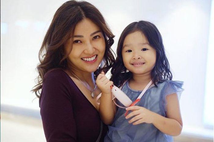 Sarwendah dan Thalia Putri Onsu