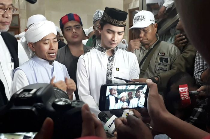 Ustaz Abdul Syukur saat ditemui Grid.ID selepas dzikir dan doa bersama di Masjid Istiqlal, Jakarta Pusat, Minggu (13/1/2019) malam.