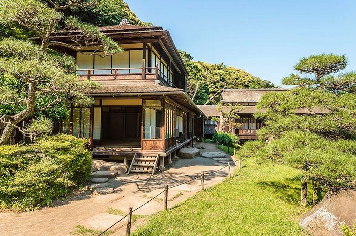 Rumah kosong di Jepang