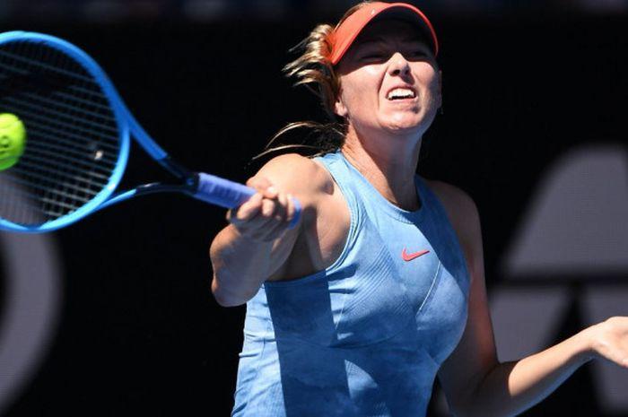 Aksi petenis Rusia, Maria Sharapova, saat melakoni laga babak pertama Australian Open 2019 yang dige