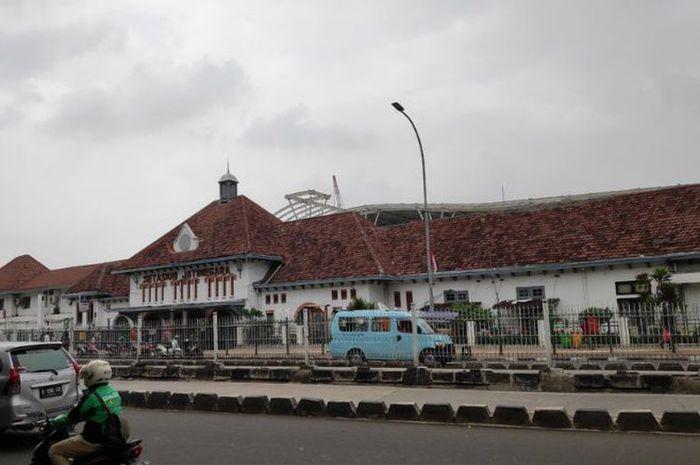 Stasiun Jatinegara.