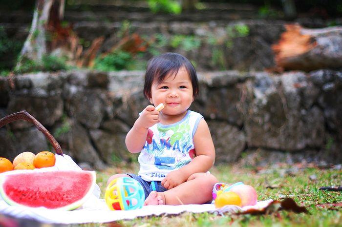 Tingkatkan kekebalan tubuh anak dengan memberikan jajanan sehat, begini caranya