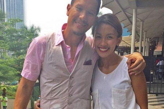Bertahan 8 tahun pernikahan, akhirnya sang mantan Puteri Indonesia resmi bercerai dengan vokalis band, Angga Puradiredja