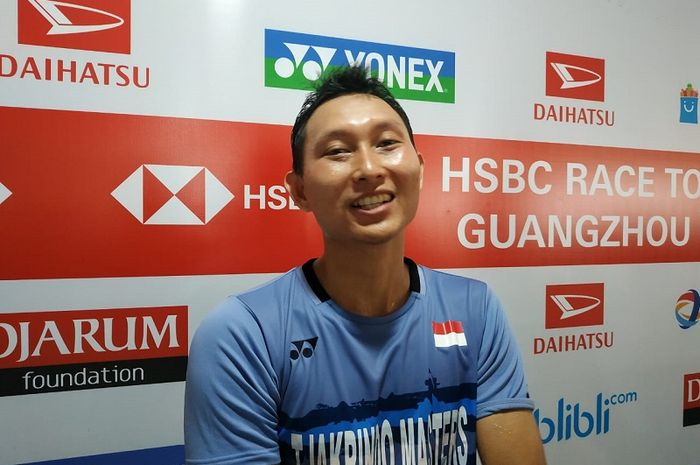 Pebulu tangkis tunggal putra Indonesia, Sony Dwi Kuncoro, saat diwawancarai di area mixed zone Istora Senayan.