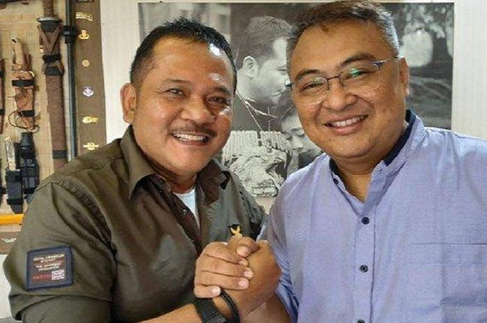 CEO baru Arema FC, Agoes Soerjanto (kiri) bersama Rudy Widodo