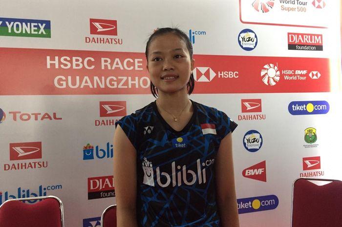 Pebulu tangkis tunggal putri Indonesia, Fitriani, hadir di konferensi pers usai bertanding di Indone