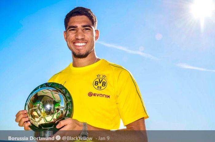 Bek kanan Real Madrid yang dipinjamkan ke Borussia Dortmund, Achraf Hakimi.