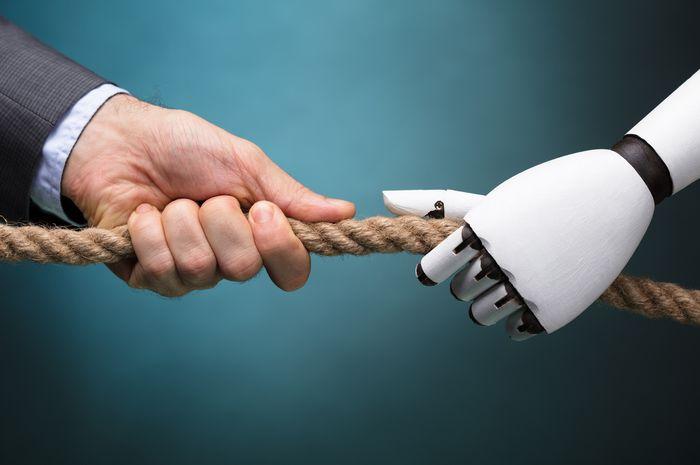 Ilustrai manusia dan robot saling bersaing.
