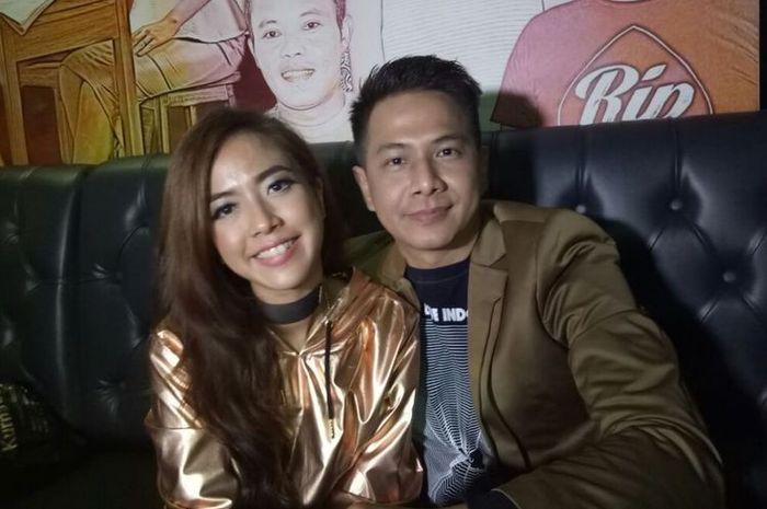 Yeslin Wang dan Delon Thamrin