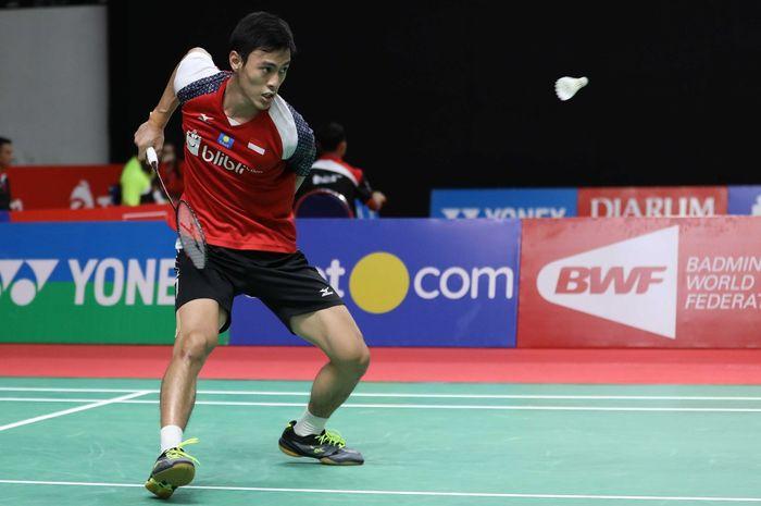 Pebulu tangkis tunggal putra Indonesia, Shesar Hiren Rhustavito, saat menjalani laga melawan Anders