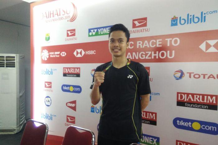 Pebulu tangkis tunggal putra Indonesia, Anthony Sinisuka Ginting, berpose setelah menjalani babak ke