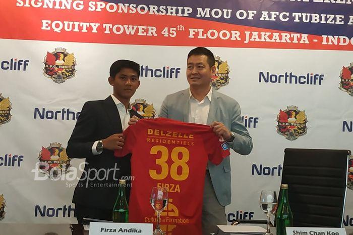 Firza Andika mengenakan nomor punggung 38 bersama AFC Tubize.