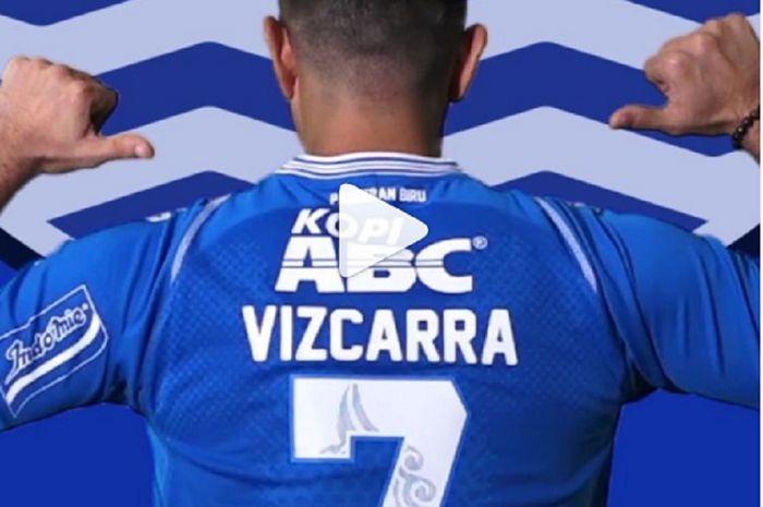 Esteban VIzcarra memakai nomor punggung 7 saat diperkenalkan Persib Bandung.