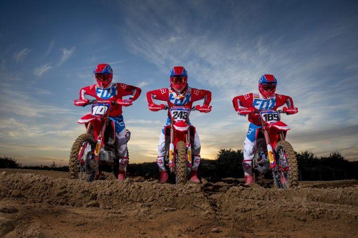 Tiga crosser Honda dalam naungan Team HRC