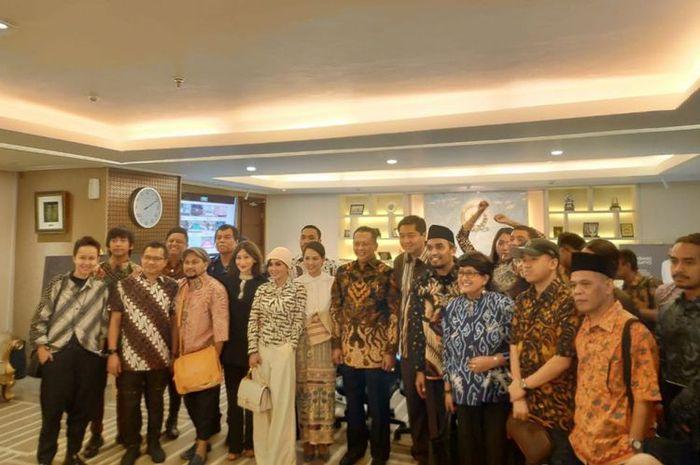 Andien dan sejumlah musisi lainnya bersama anggota DPR RI bertemu di Gedung Nusantara III, DPR RI, Senayan, Jakarta Pusat, Senin (28/1/2019).