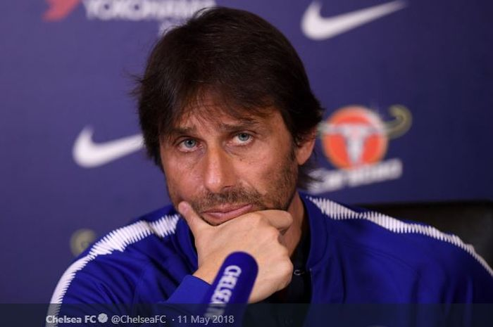 Pelatih asal Italia, Antonio Conte, saat masih mengasuh Chelsea.