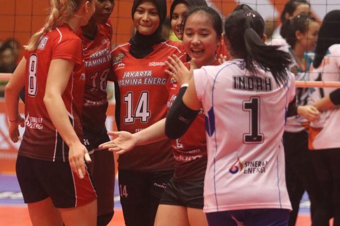 Tim bola voli Jakarta Pertamina Energi pada putaran kedua seri kedua Proliga 2019 di GOR Sritex Arena, Solo, Minggu (27/1/2019).
