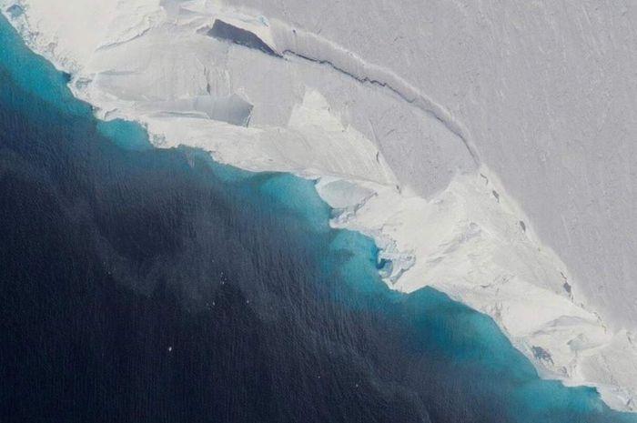 Mencairnya es di gletser Thwaites bertanggung jawab atas kenaikan permukaan laut dunia.