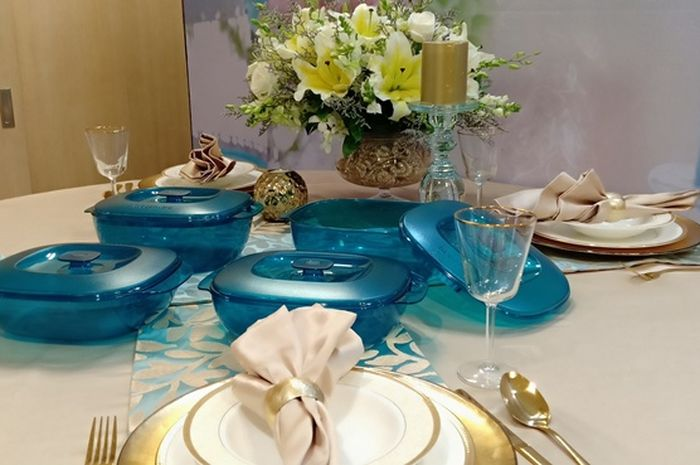 Turquoise menyiratkan kedamaian dan ketenangan yang menciptakan keharmonisan.