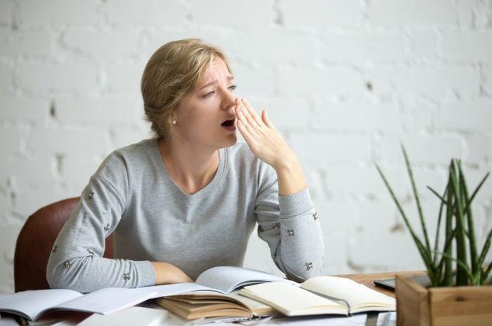 Merasa lelah setelah bangun tidur bisa disebabkan 5 kebiasaan ini