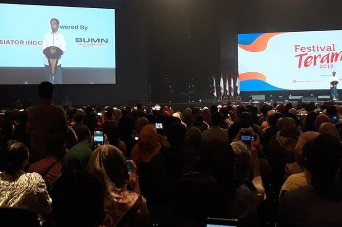 Presiden Jokowi memberikan Sambutan di Festival Terampil, di Mall Kota Kasablanka, Jakarta Selatan, Sabtu (9/2/2019).