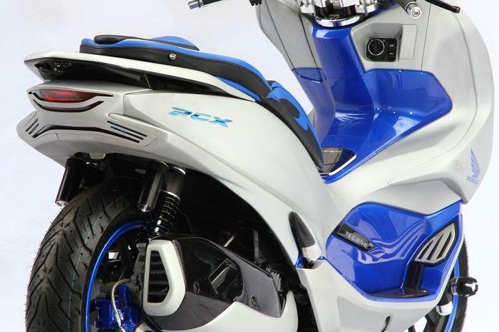 Modifikasi Honda PCX bergaya futuristik