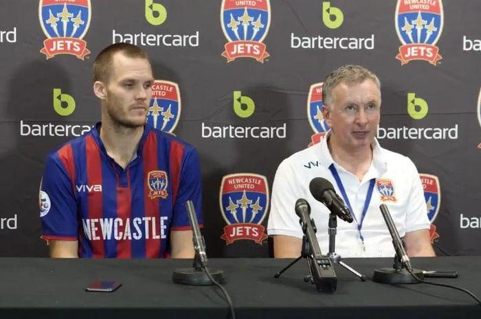 Pelatih Newcastle Jets Ernie Merrick dalam jumpa pers seusai laga kontra Persija Jakarta, Selasa (12/2/2019).