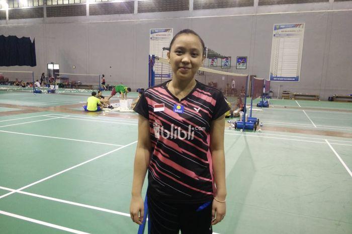 Pebulu tangkis ganda campuran Indonesia, Winny Oktavina Kandow, berpose di hall pelatnas, Cipayung, Jakarta, Selasa (12/2/2019).