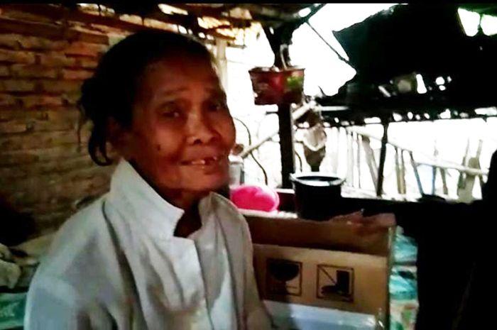 Nenek Imangi yang tinggal di kandang ayam selama 15 tahun