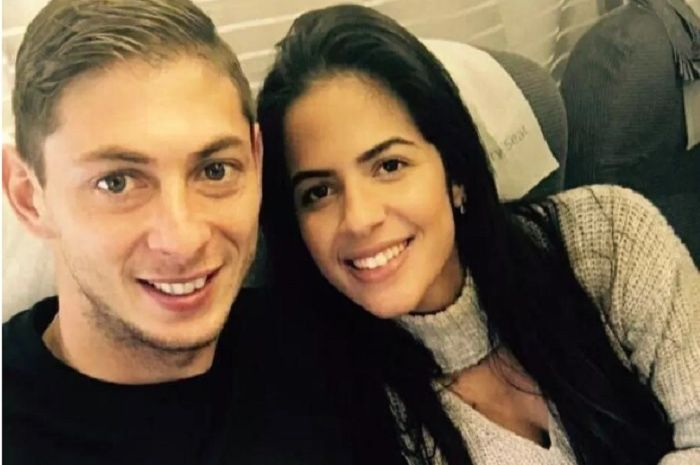 Luiza Ungerer (kiri) pevoli cantik dan seksi yang pernah menjalin hubungan spesial dengan Emiliano Sala.