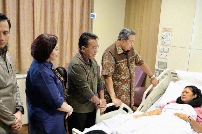 Foto kondisi Ani Yudhoyono yang diunggah Wasekjen DPP Partai Demokrat, Ani Yudhoyono, Senin (11/2/2019).