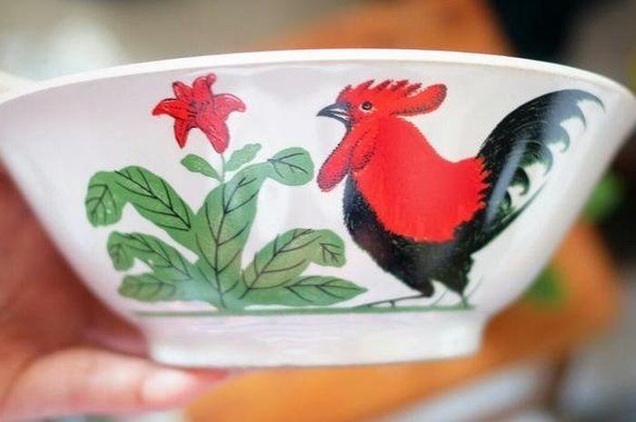 Sejarah mangkuk ayam jago.