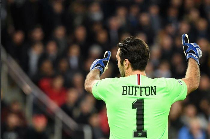 Kiper veteran Paris Saint-Germain, Gianluigi Buffon mencatatkan rekor tidak kebobolan  sebanyak 50 kali usai timnya menang 2-0 atas Manchester United.