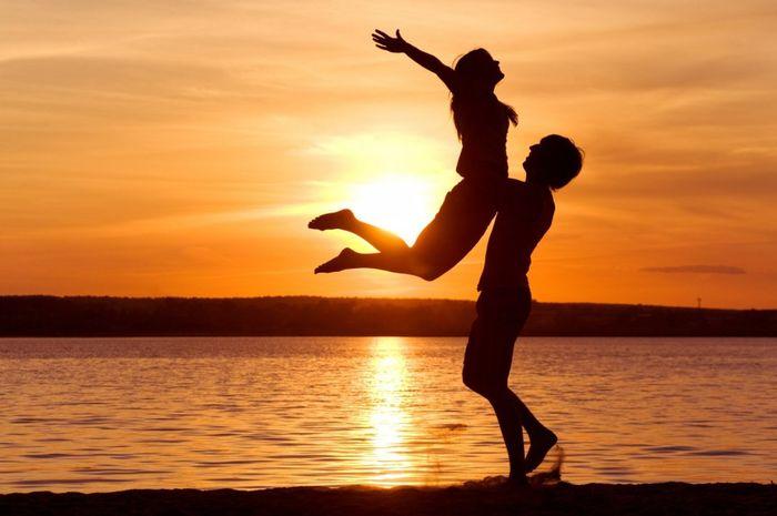 ilustrasi Pasangan Bahagia