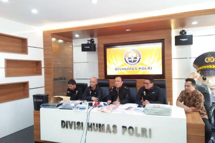 Preskon Satgas Antimafia Bola di Mabes Polri, Jakarta, Sabtu (16/2/2019).