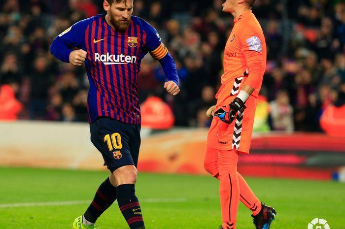 Selebrasi Lionel Messi usai menjebol gawang Real Valladolid di Camp Nou dalam lanjutan Liga Spanyol, Sabtu (16/2/2019) atau Minggu dini hari WIB.