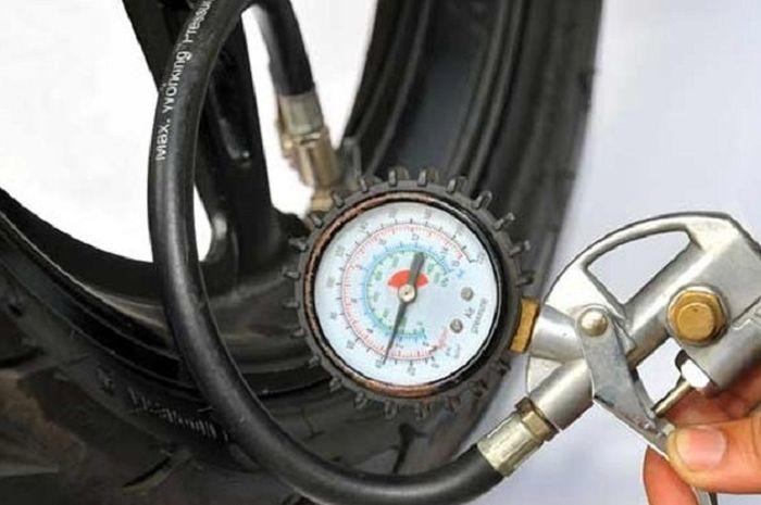 Ilustrasi isi nitrogen di ban motor.